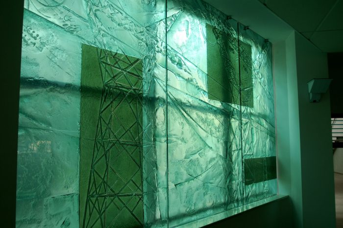 Artistic glass by Archiglass, Tomasz Urbanowicz at the Faculty of Electrical Engineering of Wroclaw University of Technology. All rights reserved.