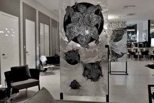 """ARCHIGLASS Tomasz Urbanowicz, prof. Przemysław Tyszkiewicz, Grafika w Szkle Artystycznym. Prints in Glass Art. """"3000 lat gwarancji"""" Corsydiany. Pierwsze Kwiaty"""